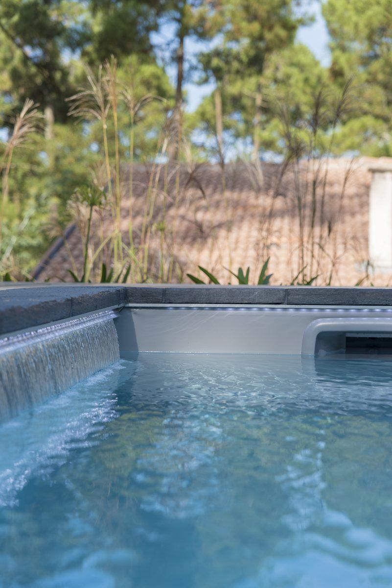 Création de support de commnication dans l'univers de la piscine et spas